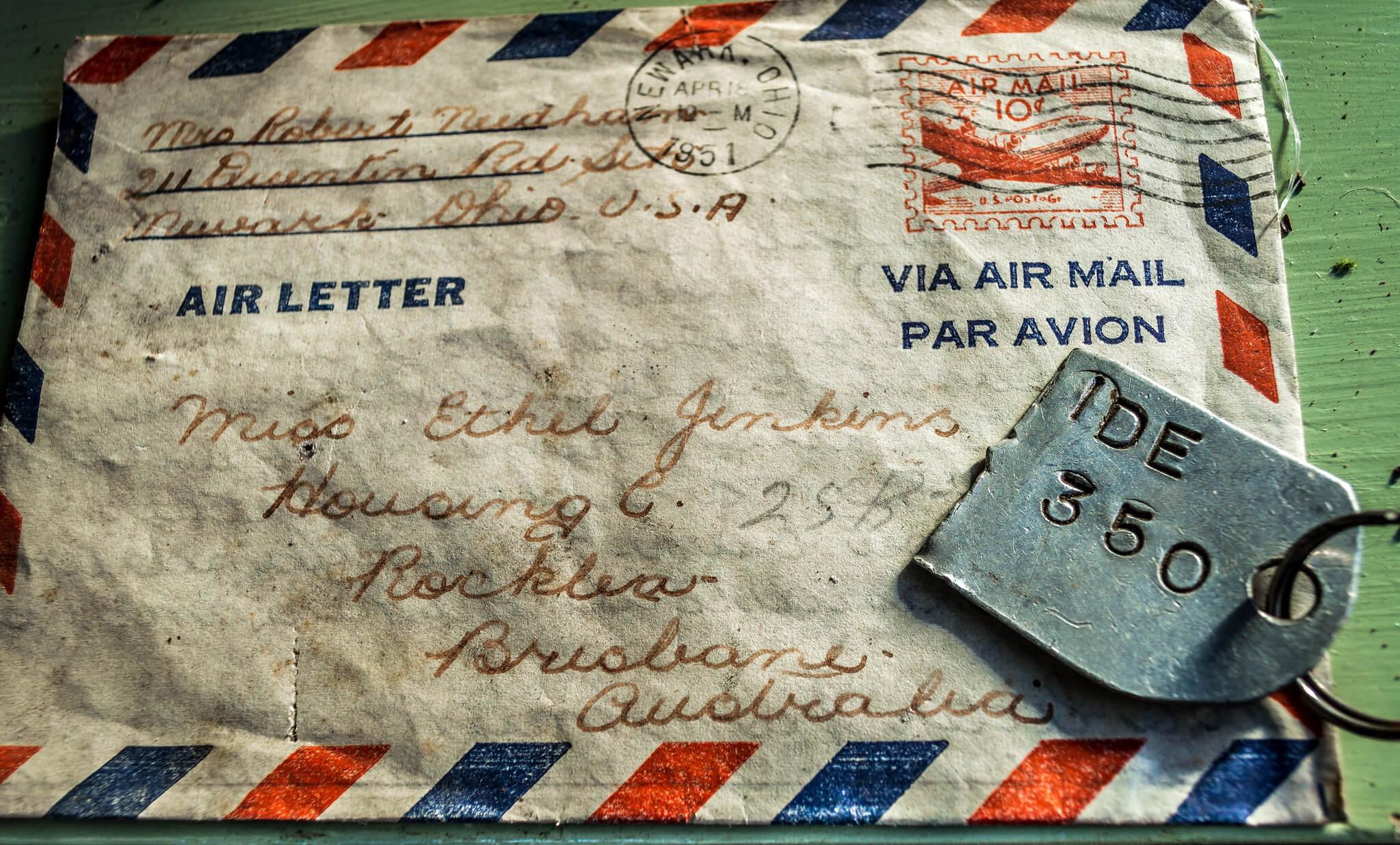Photographie d'un courrier retrouvé et non ouvert de 1951